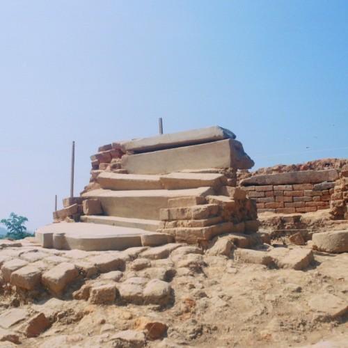 Giữa tàn tro của thánh địa Bà La Môn bí ẩn