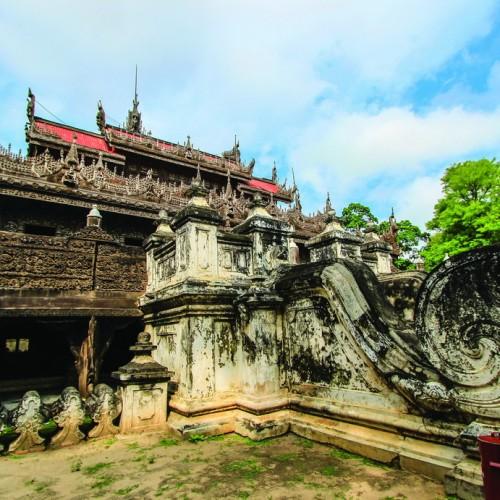 Shwenandaw tu viện bằng gổ Teak